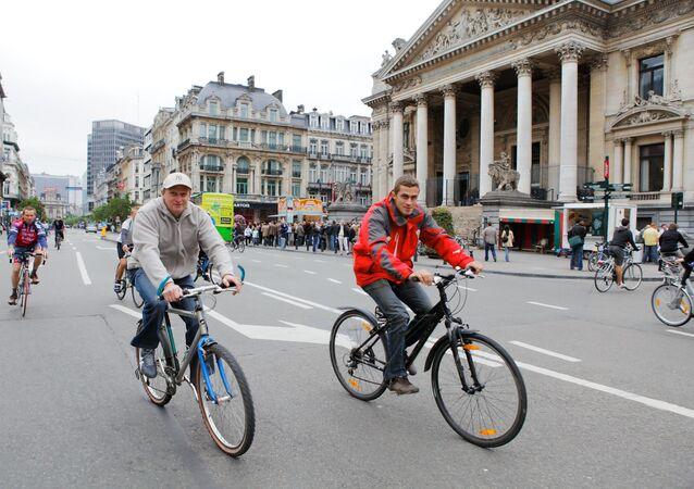 قائدو الدرجات الهوائية في شوارع بروكسل