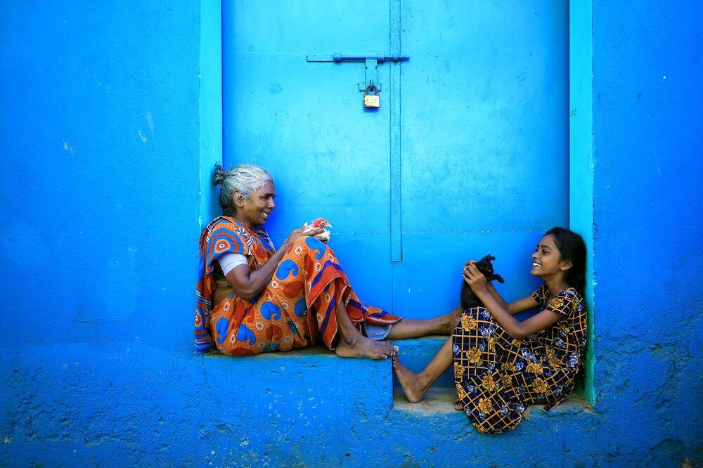 صورة بعنوان لحظة مشاركة، للمصور أودايان سانكر بال، ضمن القائمة القصيرة من مسابقة التصوير صورة الإنسانية لعام 2020