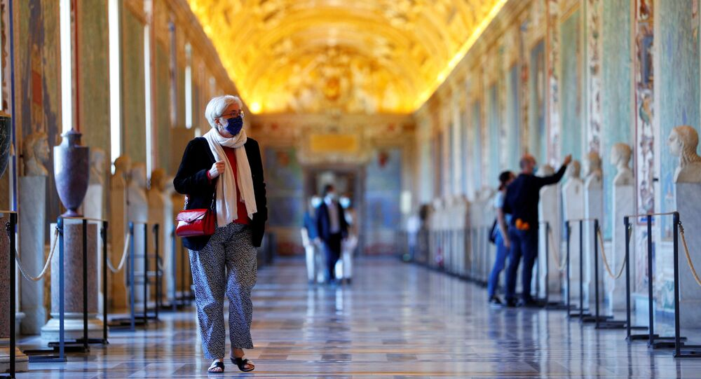 الفاتيكان يفتح أبوابه أمام الزوار، مع الحفاظ على الإجراءات الوقائية، إيطاليا 1 يونيو 2020