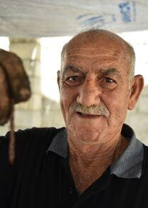 مزارع سوري ينشئ أول مزرعة دود في سوريا