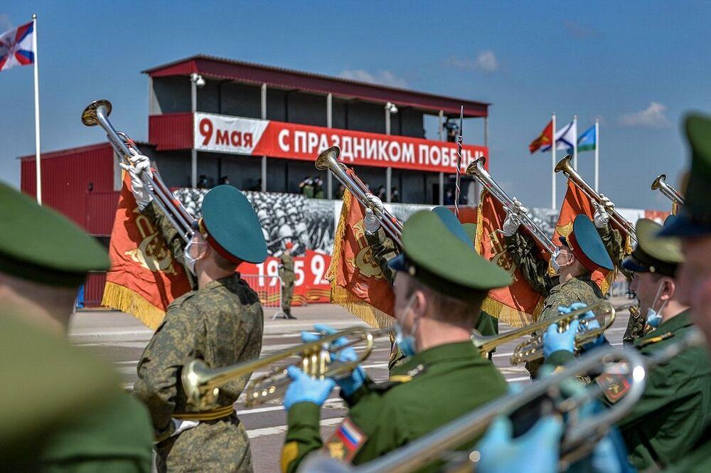 بروفة العرض العسكري بمناسبة مرور الذكرى الـ75 لعيد النصر على ألمانيا النازية في الحرب الوطنية العظمى (1941 - 1945)