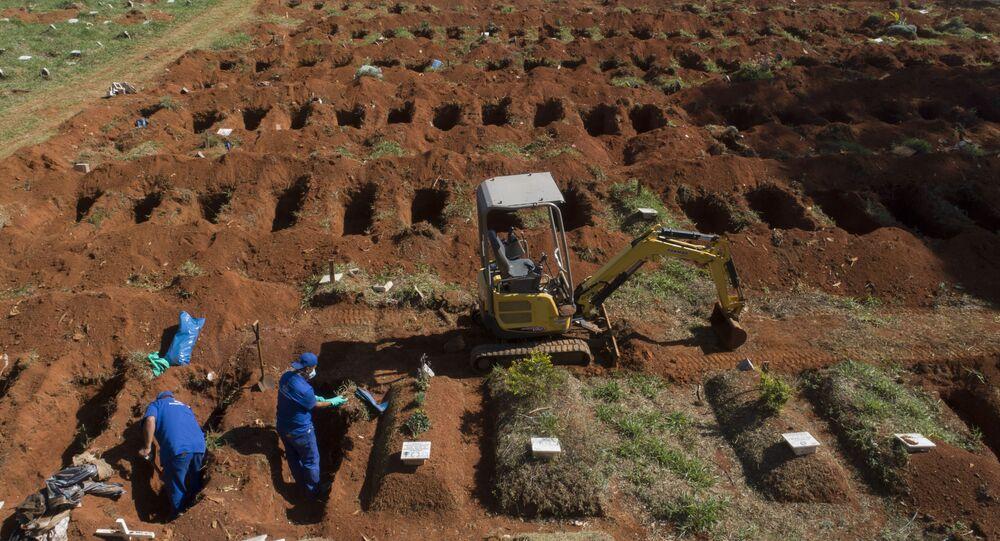مقابر كورونا في البرازيل