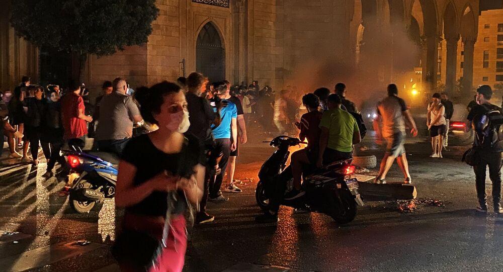 احتجاجات واسعة النطاق في بيروت، بسبب سوء الأحوال الاقتصادية في لبنان، يونيو 2020