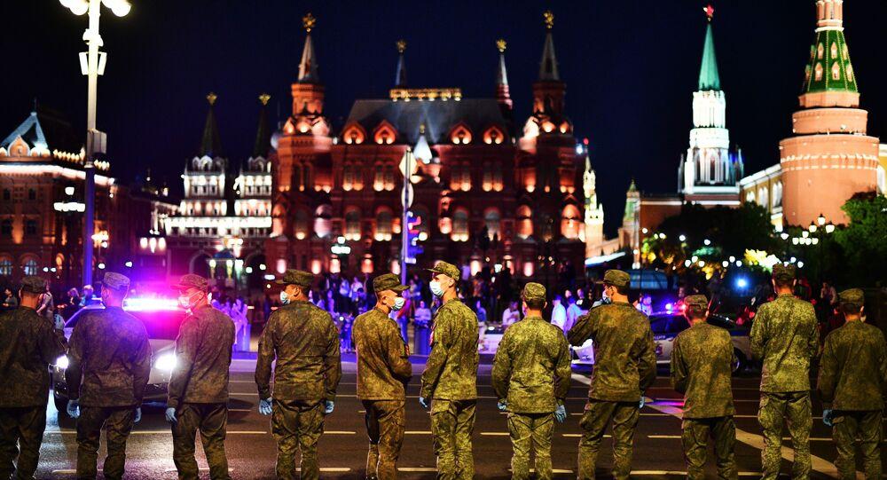 بروفة العرض العسكري بمناسبة مرور الذكرى الـ75 لعيد النصر على ألمانيا النازية في الحرب الوطنية العظمى (1941 - 1945) في موسكو