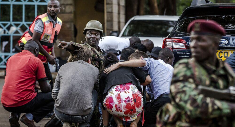 صورة بعنوان عملية إرهابية في فندق DusitD2، للمصور الإسباني لويس تاتو، في فئة كوكبي. سلسلة صور.، ضمن القائمة القصيرة لمسابقة أندريه ستينين التصوير الصحفي المحترف