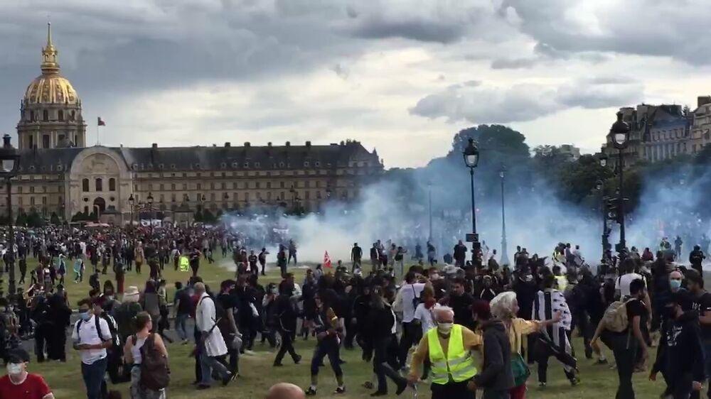 احتجاجات العاملين في القطاع الصحي في باريس، فرنسا 16 يونيو 2020