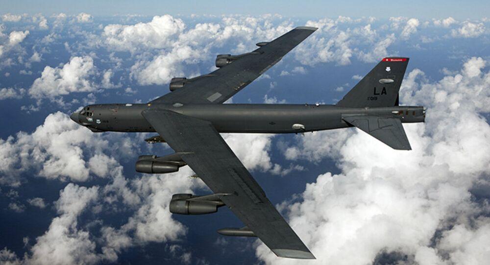 قاذفات أمريكية من طراز بي 52 إن