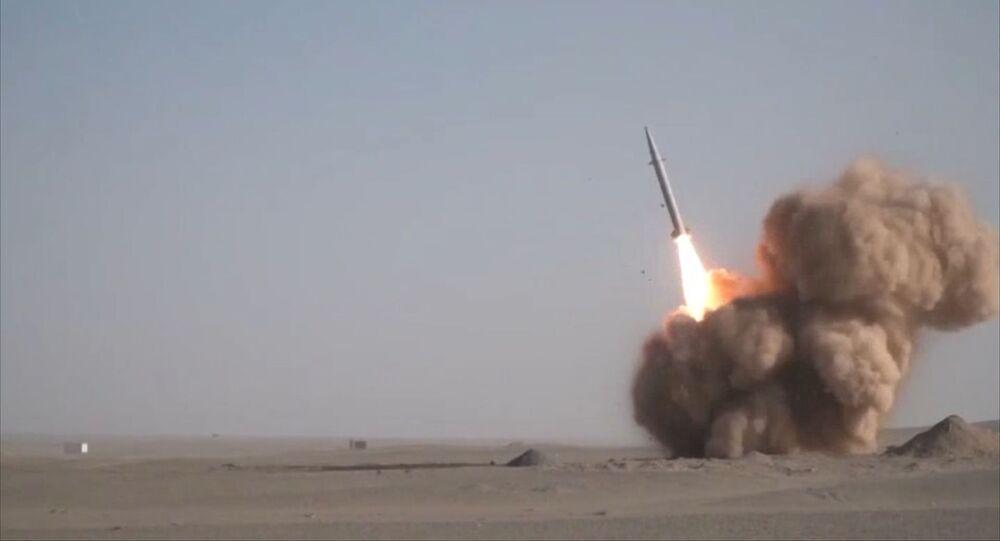 الحرس الثوري يعلن نجاحه في اختبار صاروخ جديد