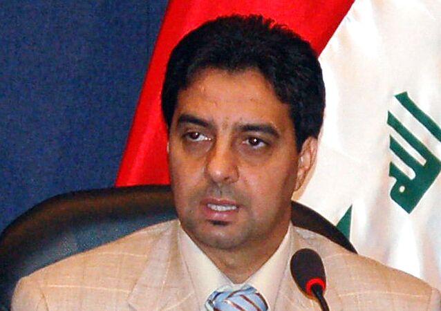 نجم الكرة العراقية السابق أحمد راضي