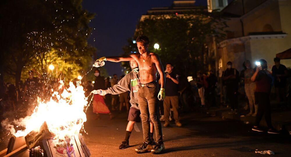 احتجاجات في البيت الأبيض تتحول إلى أعمال شغب، واشنطن 22 يونيو 2020