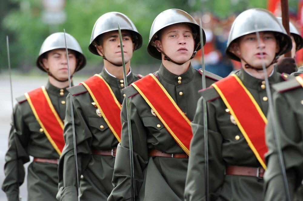 العرض العسكري بمناسبة الذكرى الـ75 للنصر على النازية في الحرب الوطنية العظمى (1941-1945) في مدينة تشيتا، 24 يونيو 2020