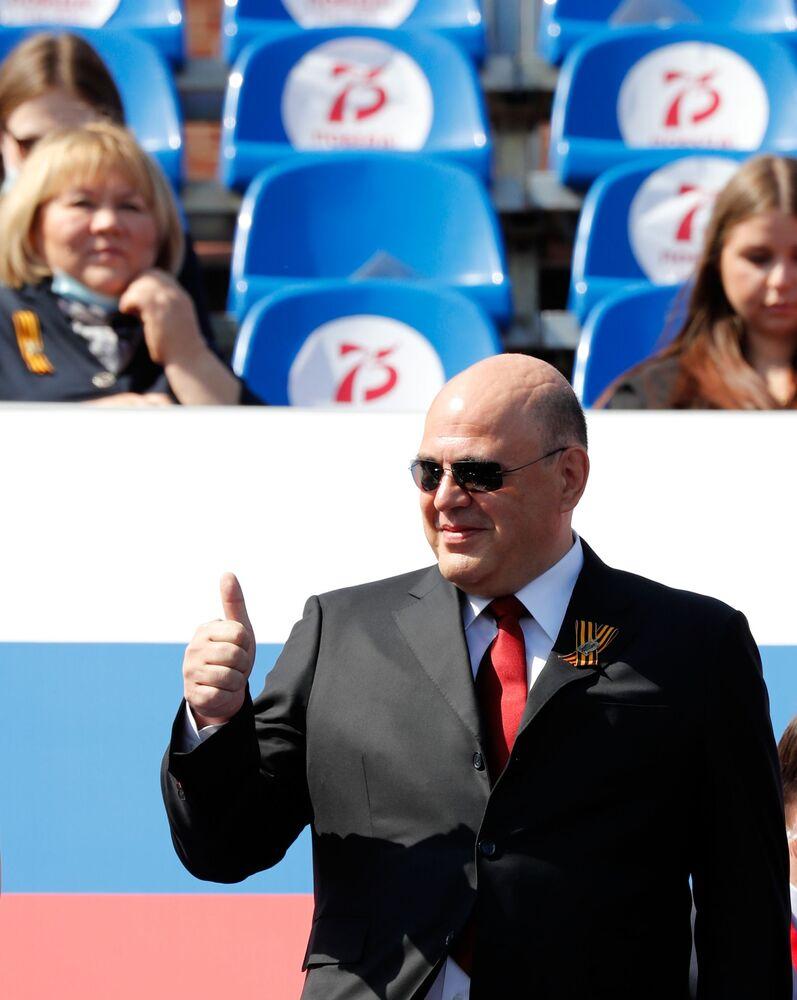 رئيس الحكومة الروسية ميخائيل ميشوستين خلال العرض العسكري بمناسبة الذكرى الـ75 للنصر على النازية في الحرب الوطنية العظمى (1941-1945) على الساحة الحمراء، موسكو،24  يونيو 2020