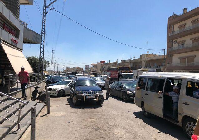 ازدحام أمام الأفران في لبنان بعد امتناع اصحابها عن تسليم الخبز للمحلات