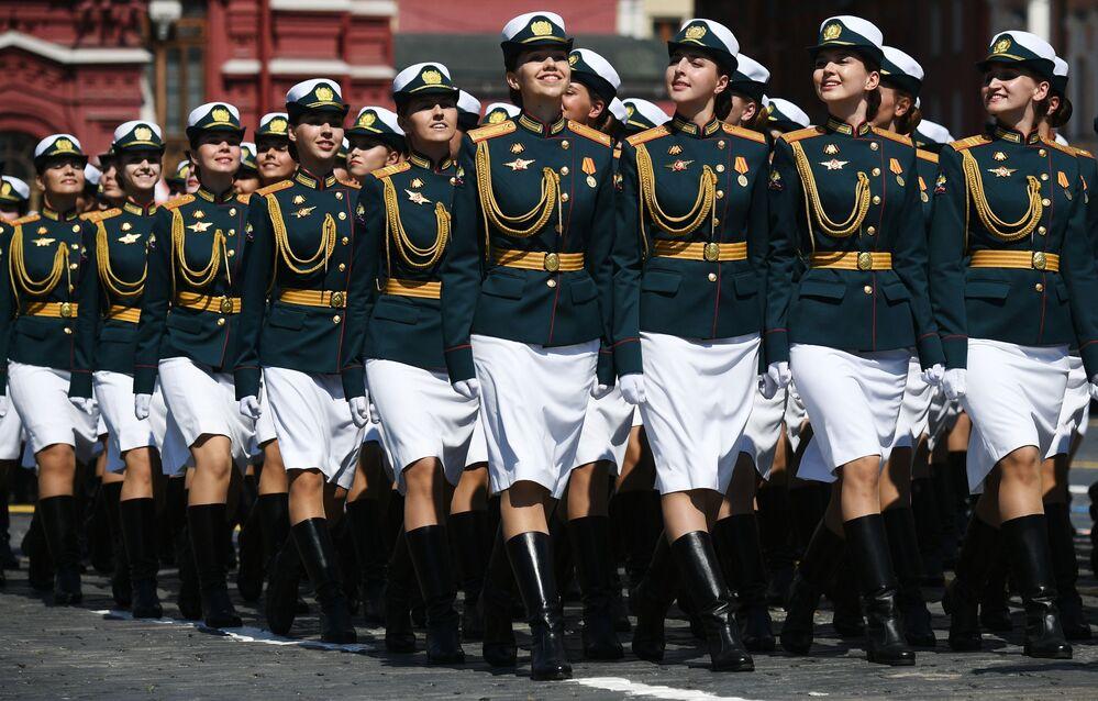 العرض العسكري بمناسبة الذكرى الـ75 للنصر على النازية في الحرب الوطنية العظمى (1941-1945) على الساحة الحمراء في موسكو، 24 يونيو 2020
