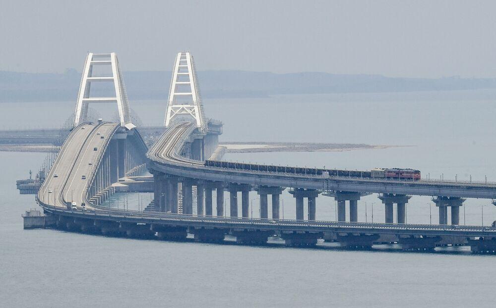 إطلاق قطار الشحن على جسر القرم، 30 يونيو 2020