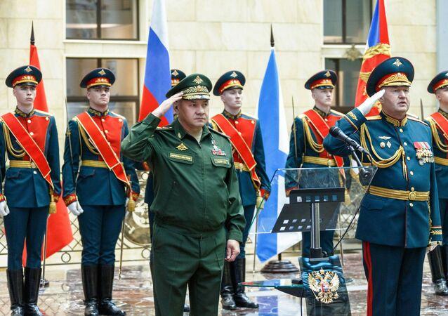الجيش الروس و وزير الدفاع الروسي  سيرغي شويغو